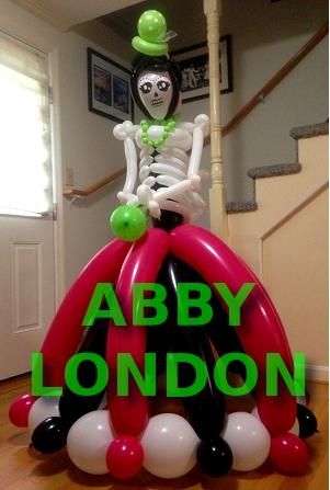 skeleton balloon sculpture