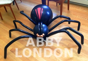 hire a spider balloon twister
